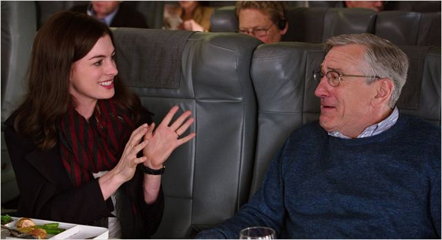 anne-hathaway-e-robert-de-niro-in-lo-stagista-inaspettato