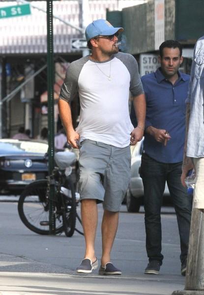 Leonardo+DiCaprio+Leonardo+DiCaprio+Seen+Out+dXpChaFd47Ol