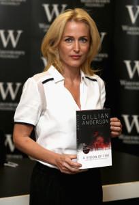 Gillian+Anderson+Gillian+Anderson+Book+Signing+anwn9alovQpl