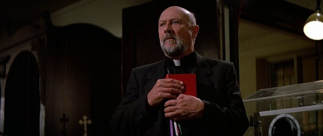 padre-Loomis-Donald-Pleasence
